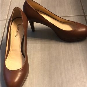 Brown le Chateau Pumps